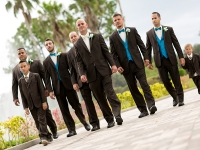 groomsmen-walking