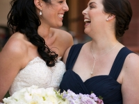 bride-sister-laughing
